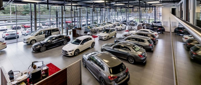 Mercedes Autohaus Moers Innenaufnahme