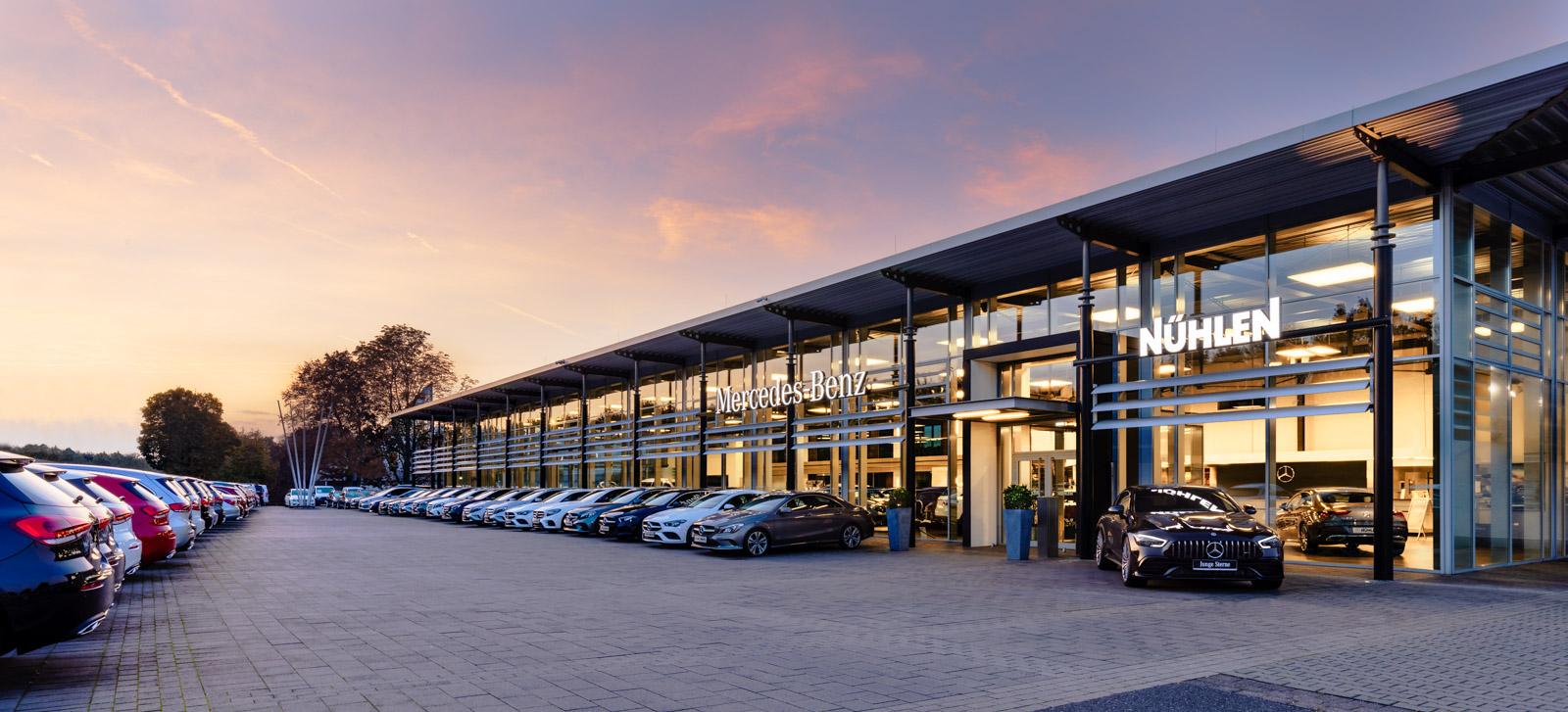 Mercedes Autohaus Moers Abendstimmung
